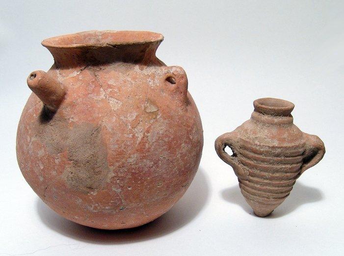 18: Early Bronze Age spouted jar & Roman amphora