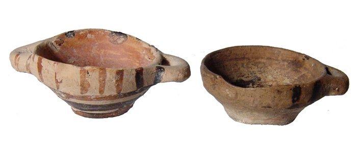 19: 2 miniature Greek votive vessels, Magnia Graecia