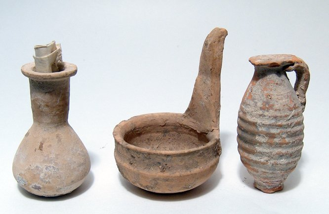 20: Lot of 3 ancient pottery items