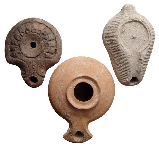 22: Lot of 2 lamps: Roman, Greek & Syro-Palestinian