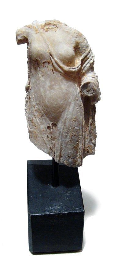 132: Beautiful Roman marble torso of Aphrodite