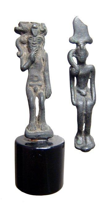 13: 2 Egyptian bronze figures of Harpokrates