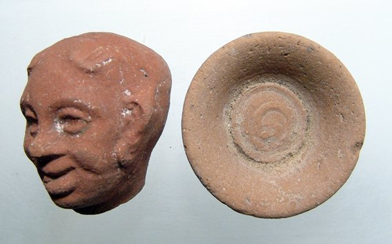 Lot of 2 Egyptian terracotta objects
