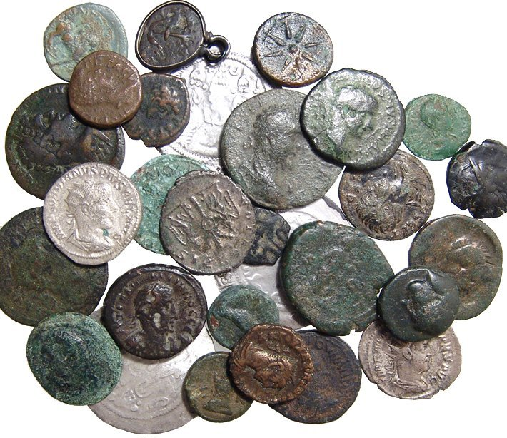 29 mixed ancient coins, mainly Greek & Roman
