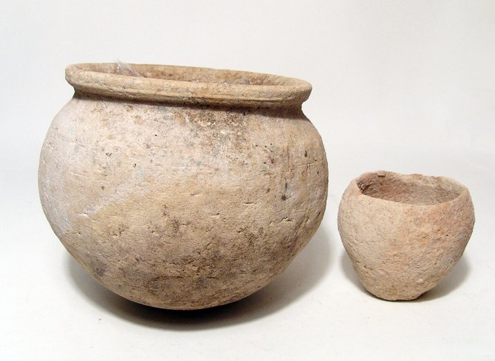 Lot of 2 ancient ceramic vessels from Yemen
