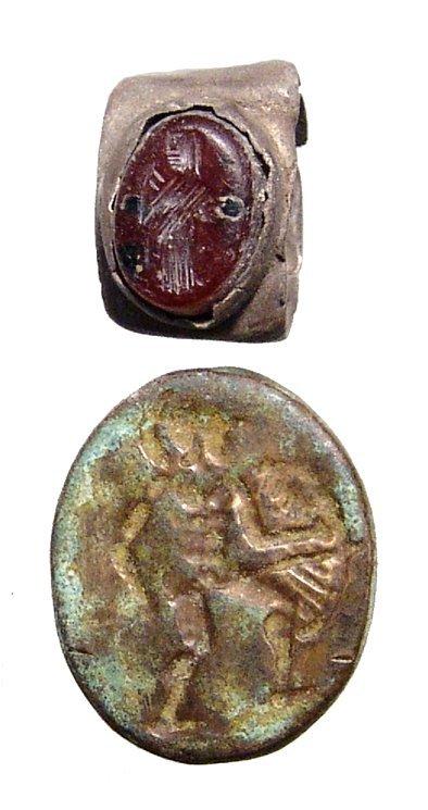 Roman silver ring with carnelian intaglio