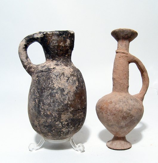 Pair of Early Iron Age and Cypriot Juglets