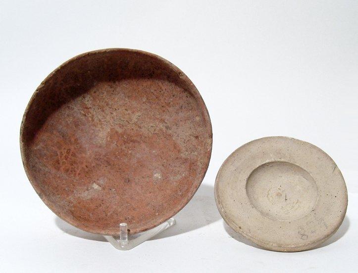 A lot of 2 ceramic bowls
