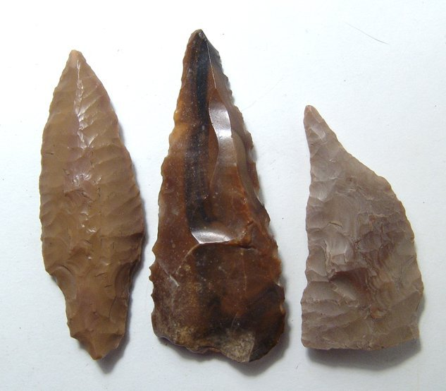 An Egyptian Pre-Dynastic assemblage of 3 flint tools