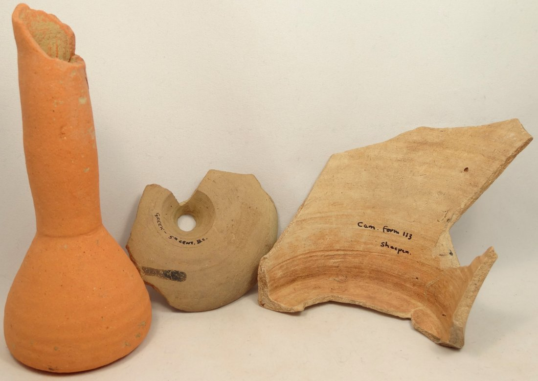 A lot of 3 Greek pottery fragments