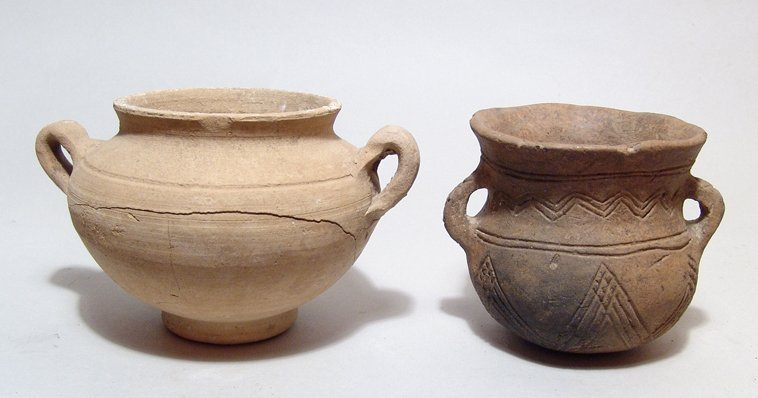 A  pair of Near Eastern ceramic vessels