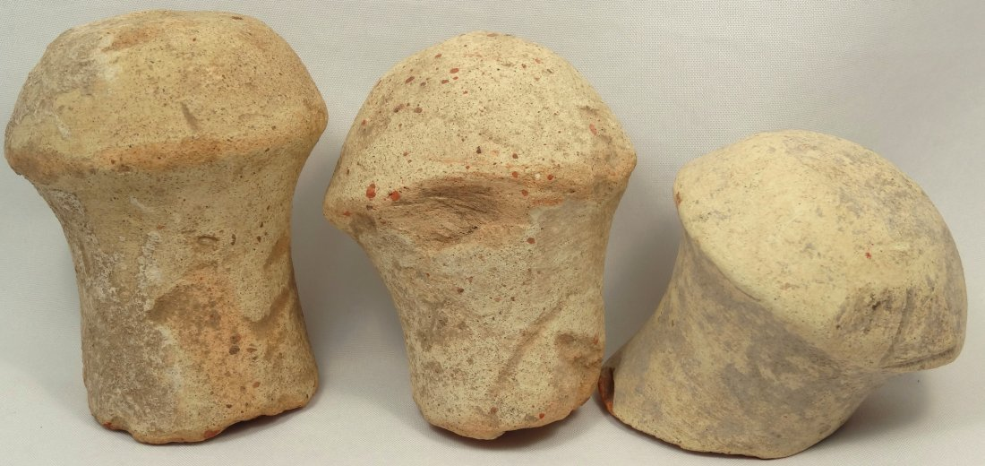 A lot of 3 Roman terracotta amphora stoppers