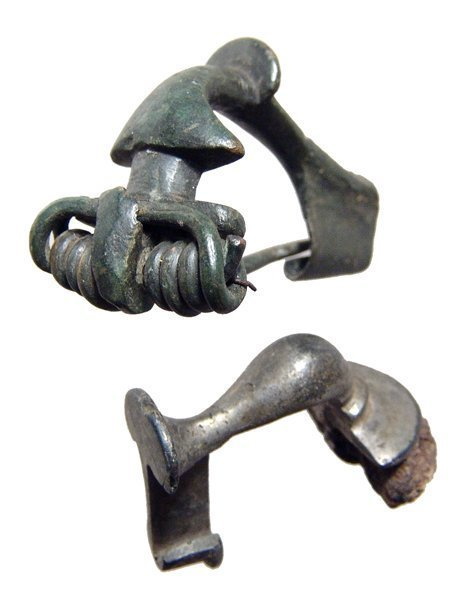 A lot of 2 nice bronze Roman fibulae