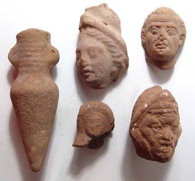 4 Graeco-Roman terracotta head fragments, votive