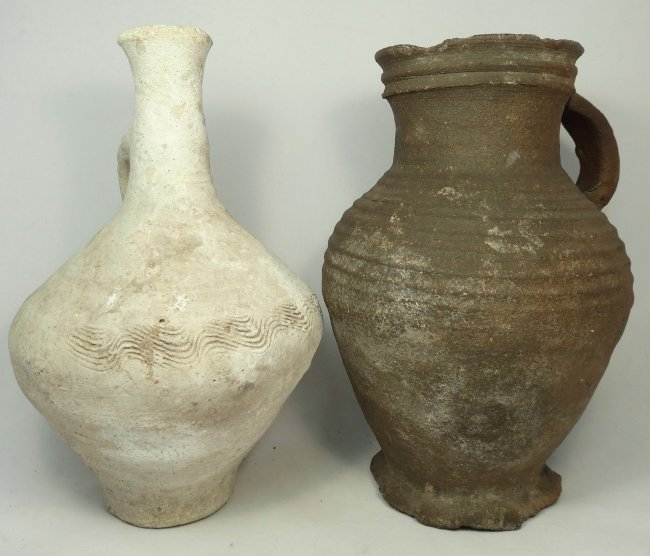 A lot of 2 large terracotta vessels