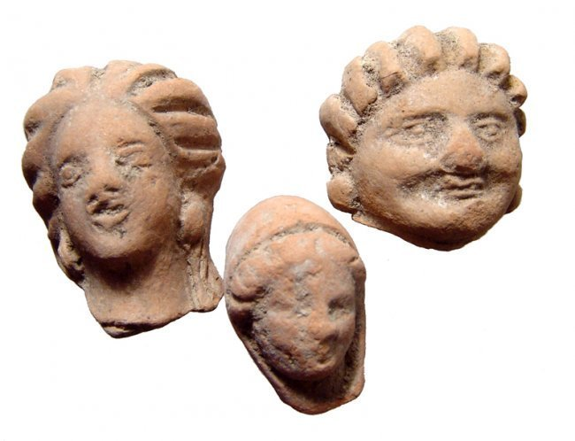 A lot of 3 Hellenistic terracotta female heads