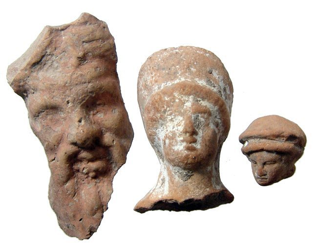 A lot of 3 Greek Hellenistic terracotta heads