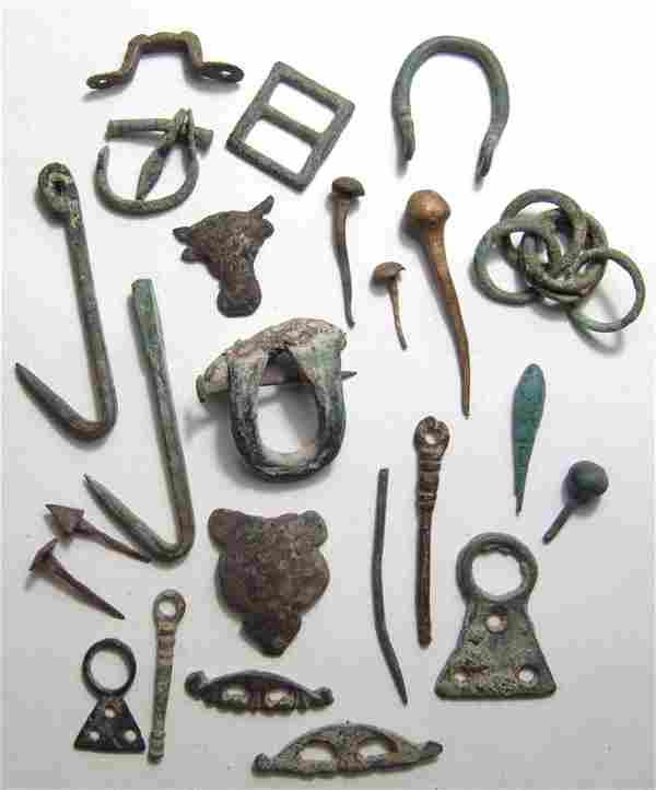 A lot of 25 mix Roman bronze items