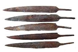 5 Persian bronze long arrow heads