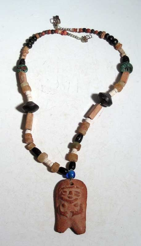 An attractive Pre-Columbian necklace