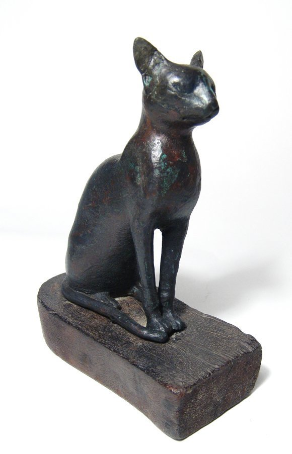 Egyptian bronze figure of Bastet, Late Period