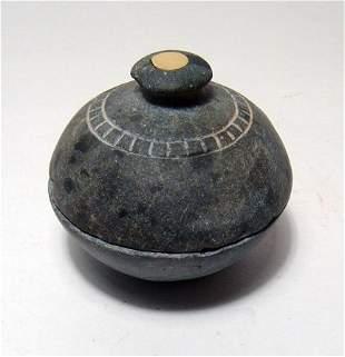Bactrian chlorite lidded cosmetic vessel