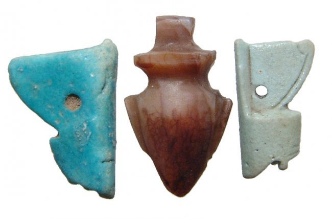 A lot of 3 Egyptian faience and stone amulets