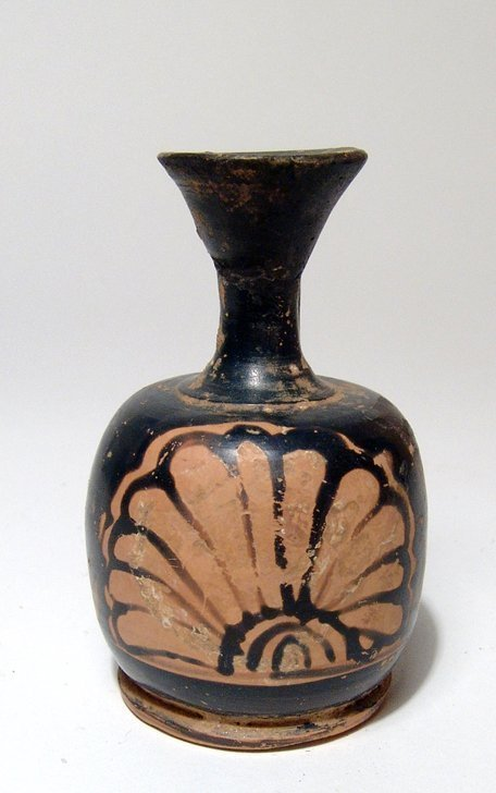 A Greek red-figure lekythos with palmette