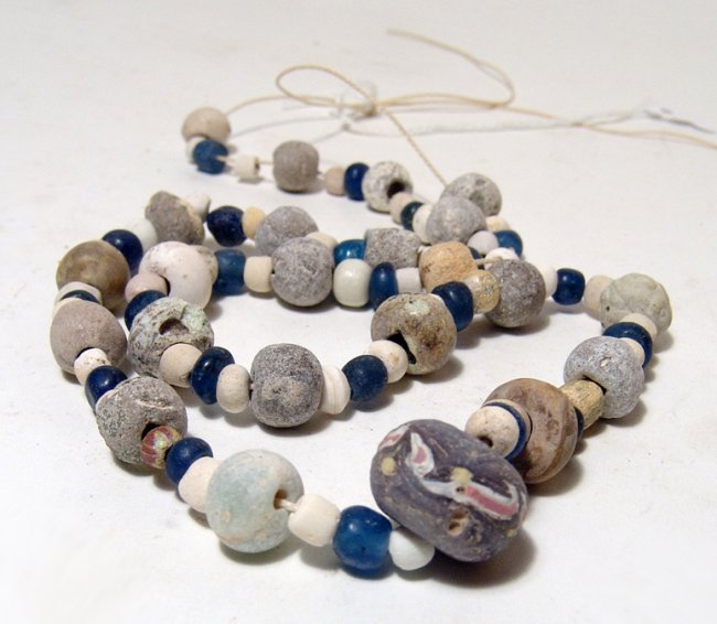A Near Eastern/Holy Landmixed bead necklace - 2
