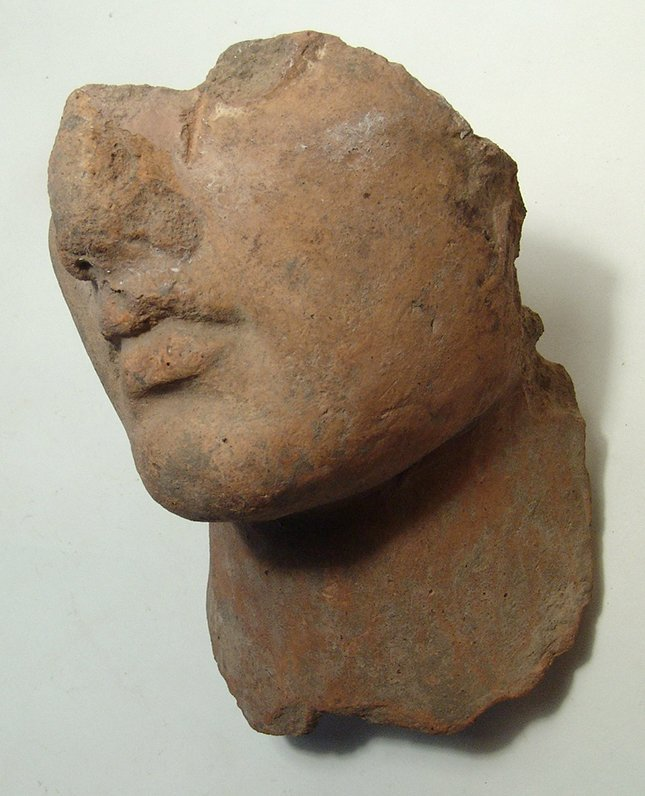 An attractive Hellenistic terracotta male portrait - 3