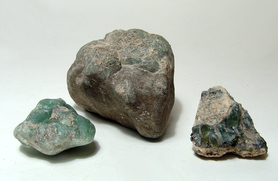 Lot of cullet glass from the Phoenician city of Tyre