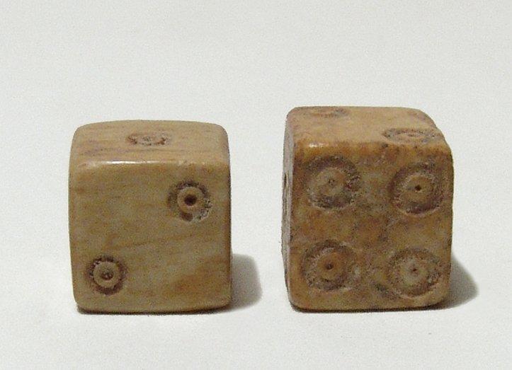 A pair of Roman bone dice - 2