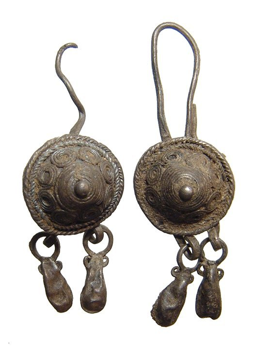 A pair of Thracian silver earrings