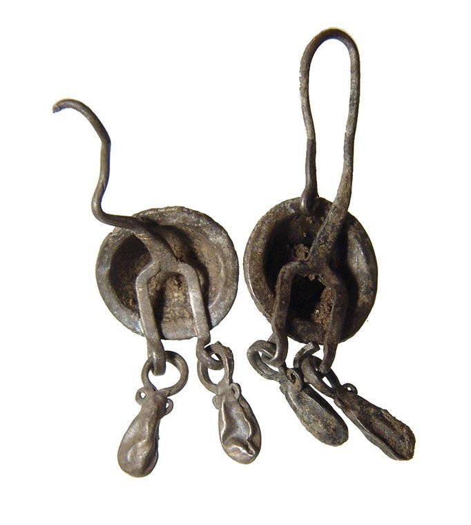 A pair of Thracian silver earrings - 2