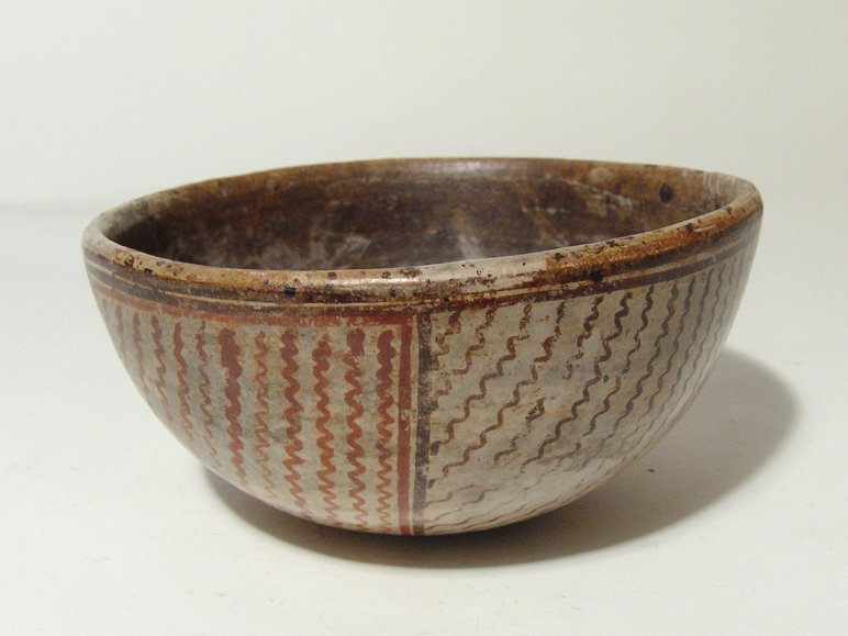 A lovely Chinesco polychrome bowl, Mexico - 3