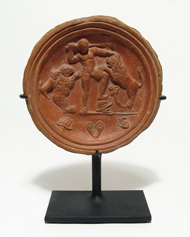 Stunning Roman red-ware tondo depicting fighting scene
