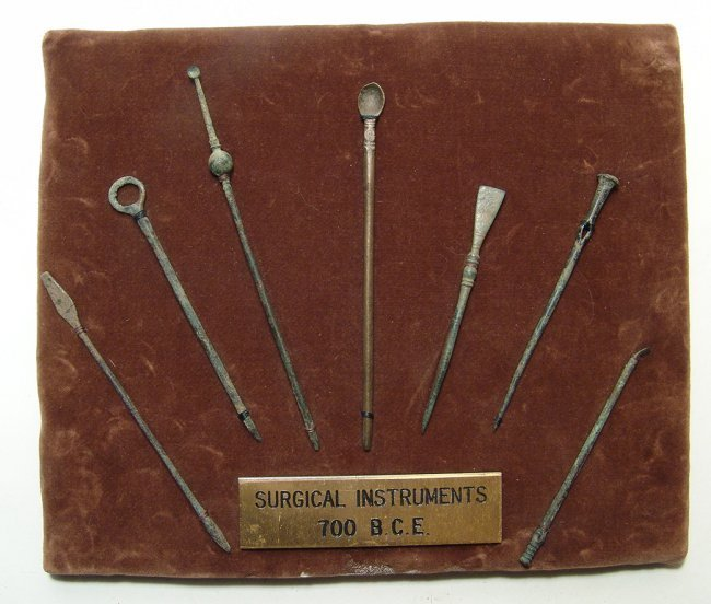 Mounted set of 7 Roman bronze surgical implements - 2