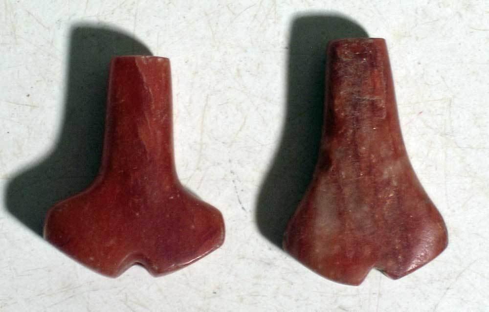 A pair of rare Tairona 'Anchor' pendants