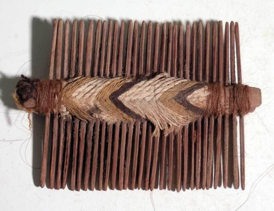 An excellent Pre-Columbian comb - 2