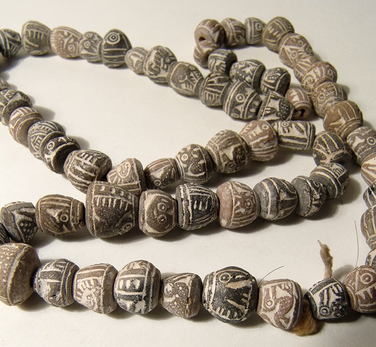 A strand of Pre-Columbian terracotta beads, Ecuador - 3