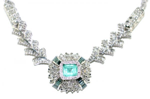 7: 7 CT Blue and White Diamond with Emerald Necklace