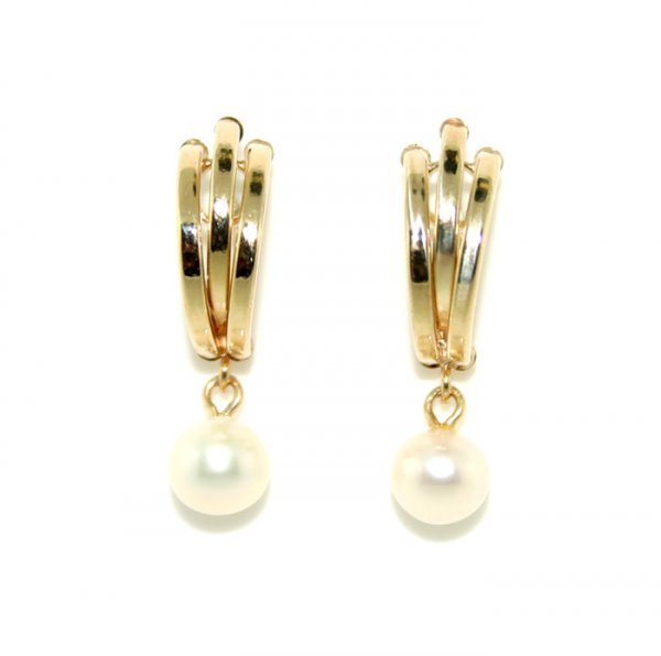 11: 6mm Fresh Water Pearl Gold Earring