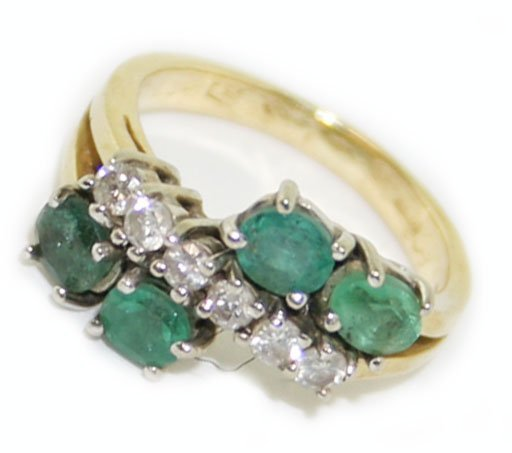14k y/gold diamond & emerald  ring
