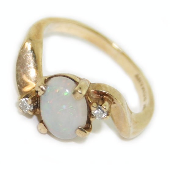 10k yellow gold diamond opal  ring