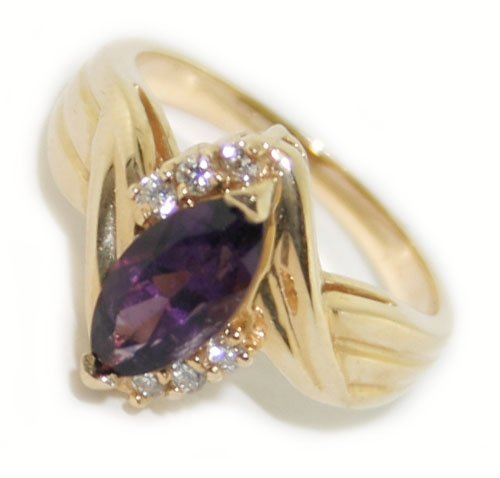 14k yellow gold diamond & amethyst  ring
