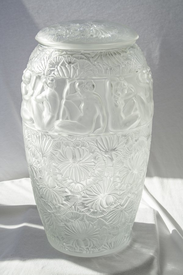 Monumental Lalique ''Angelique'' clear glass vase with
