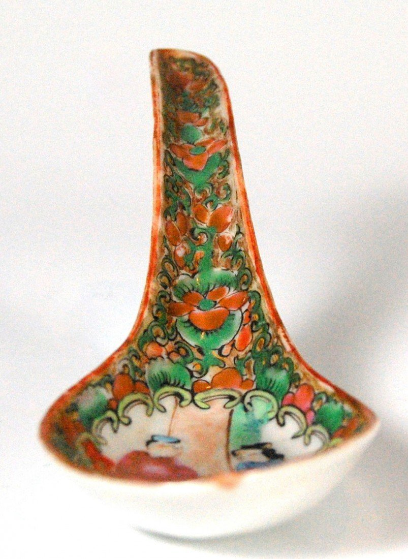 105: (2) Spoons, Rose Medallion Pair of porcelain spoon