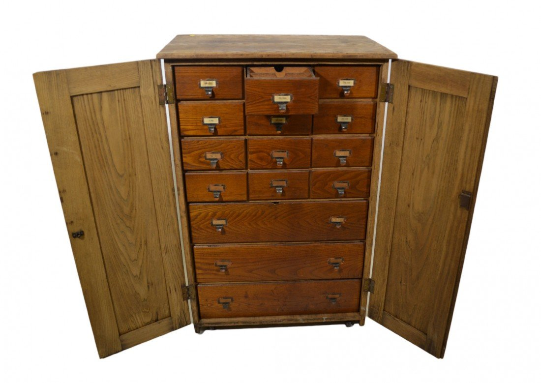 596: Cabinet for Stereoviews