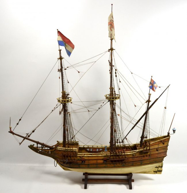 Ship Model, The Halve Maen (The Half Moon) : Lot 818