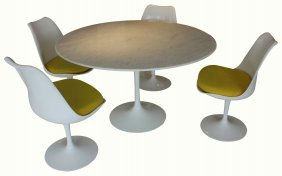 Saarinen Tulip Table With 4 Chairs, For Knoll